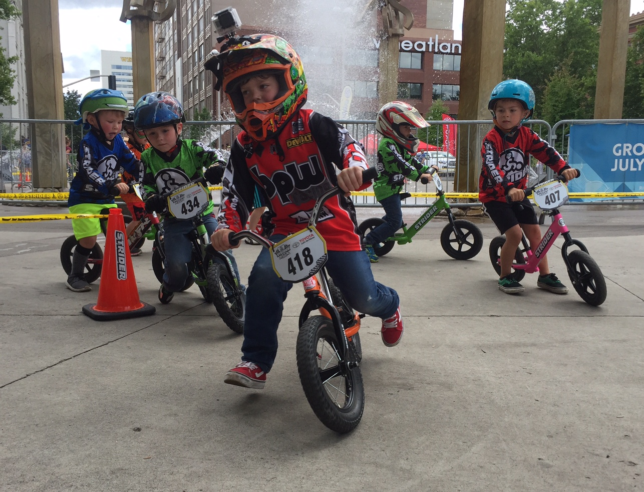 More Than 180 Race In Spokane S Inaugural Strider